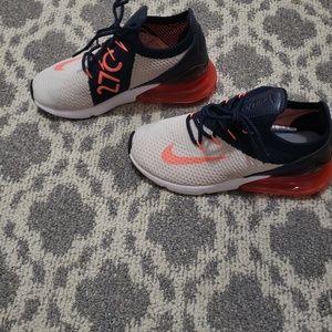 NIB Nike 270's